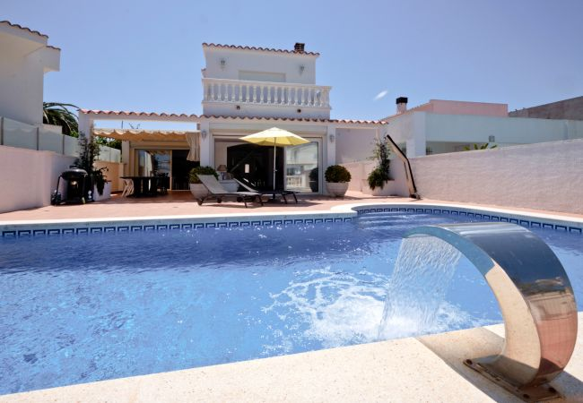 Villa in Empuriabrava - LV15 FALCONERA