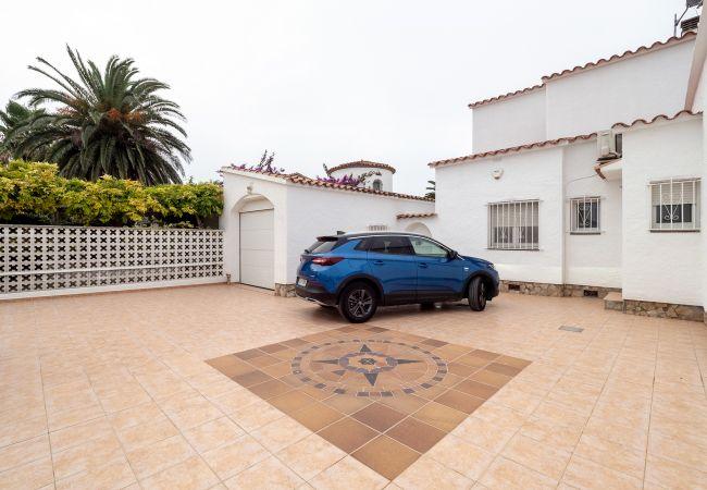 Villa in Empuriabrava - LV23 FRANCOLI