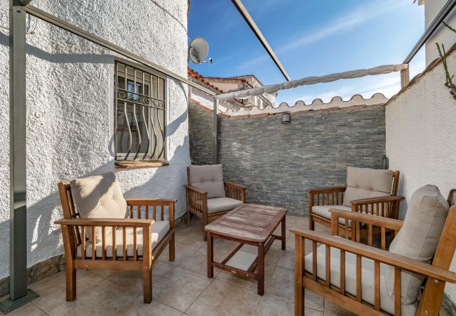 Villa in Empuriabrava - ILV07