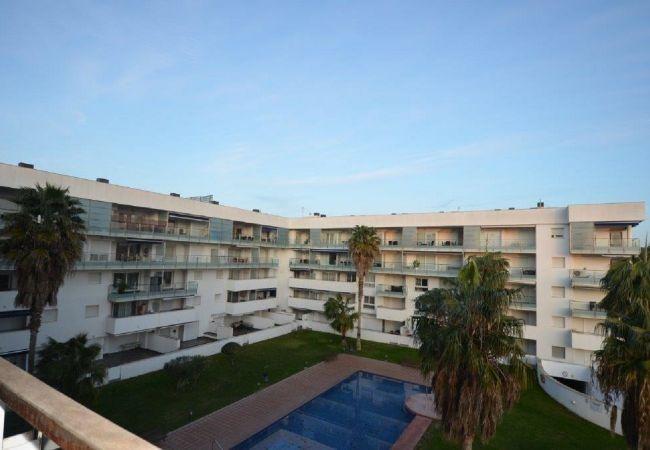 Appartement in Rosas / Roses - ISAR26- Apartamento 4 pax con terraza y piscina